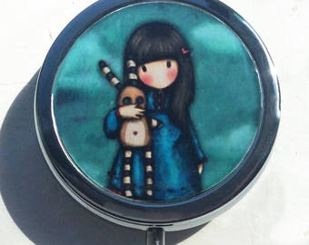 Pill, jewlery and little treasure/ BOXE/ Lovely girl with doudou
