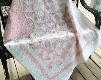 "Pinwheel baby quilt - pink and white 48"" x 56"""
