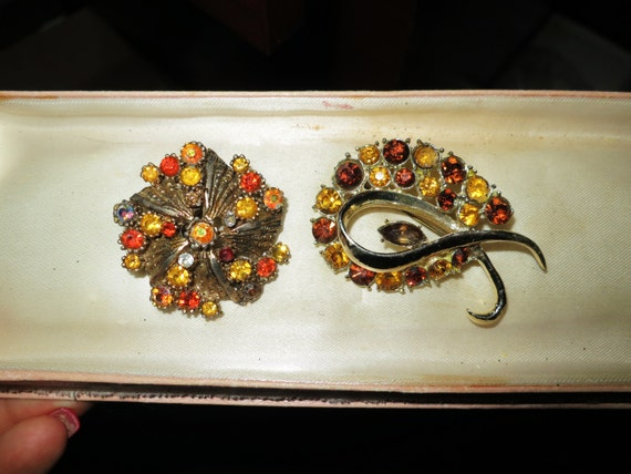2 Beautiful vintage amber topaz citrine rhinestone brooches