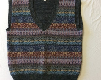 Vintage Sweater, Sweater Vest, 1970s Sweater, Loubella Extendables, Ladies Sweater, Grey Sweater, Pastel Colors, Size M, Vintage Vest, Stars