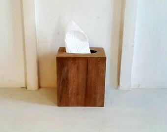 Rustic Wood Tissue Box Cover. Distressed. Bathroom. Kitchen. Bedroom.Living Room Decorative Tissue Box Cover.Farmhouse. Fixer Upper Decor