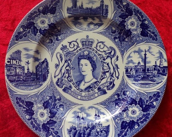 Vintage plate, Commemorative Plate by Weatherby, Silver Jubilee, Queen Elizabeth II, wall decoration, made in England, Blue and White plate
