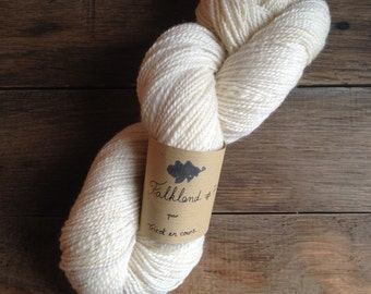 #7 - skein of yarn spun Falkland Falkland handmade - natural colours