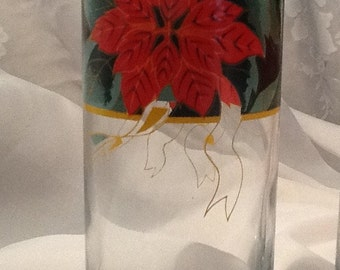8 Poinsettia Drinking Glasses, New in Box