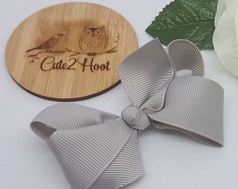 Grey Bow Clip - 3 inch Bow, Bow hair clips, hair clips, hair accessories, baby hair clips, girls hair clips, Hair bow,