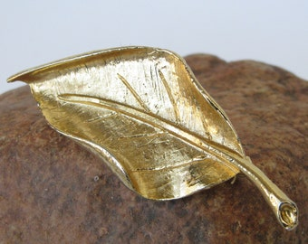 Vintage Gold Tone Metal Textured Leaf Safety Clasp