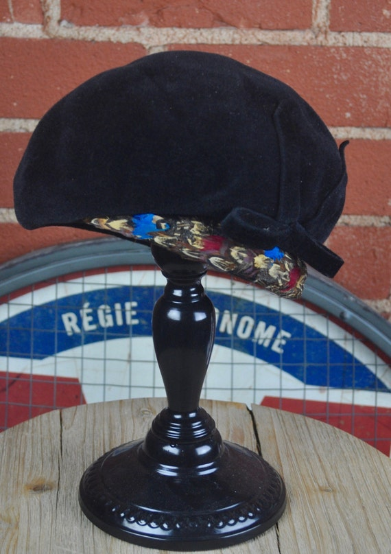 Vintage 1970s Women's Black Velvet and Multi-Colored Feathers Cloche Beret Hat by Ernie