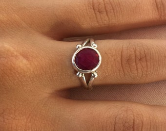Red ruby Ring, Ruby silver Ring, 925 Sterling ruby Ring, Silver ruby Ring, Ring size 6.5, Round ruby Ring, Ruby gemstone, Ruby red ring,