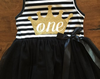 First birthday outfit, 1st birthday dress, black tutu dress with gold letters, cake smash outfit, crown, dress for girls first birthday