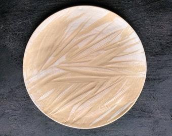 "White plate sgraffito ""palm leaves"""