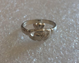 Claddagh Ring 925 SILVER   SIZE 6