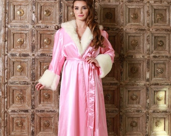 The Classical Hollywood Peignoir Pretty in Pink