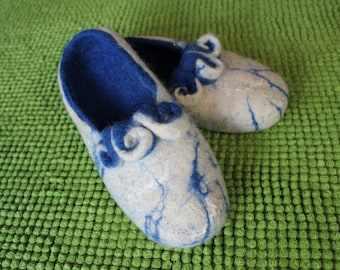 Hand Made 100% Wool Women Slippers