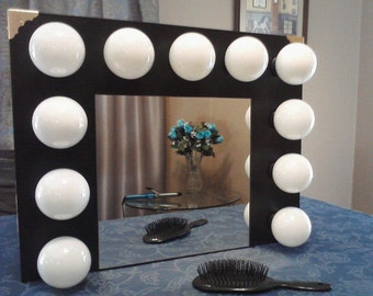 Hollywood Vanity Mirror with Lights - 11 lights bulbs