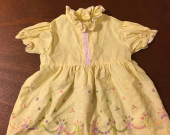 1960's light yellow floral embroidered dress with puff sleeves - size 12/18 months