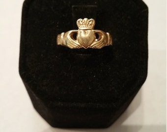 10kt Women's Claddagh Ring - #133