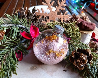 Christmas Ornament bath salts