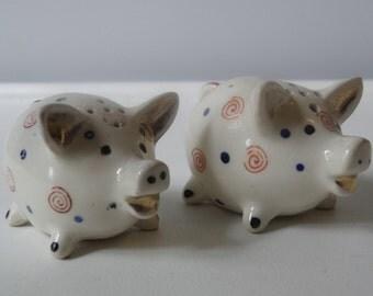 Vintage pig salt and pepper shaker set