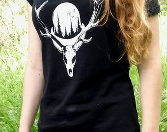 Deer from the North t-shirt, women's