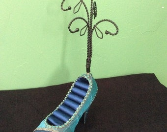 Blue Beaded Shoe Ring and Jewelry Display
