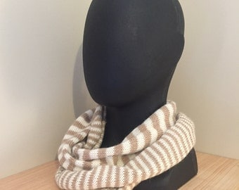 Alpaca Mobius Neck Wrap Fawn/Cream
