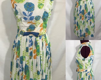 1960's Sue Brett | Vintage Flare Skirt Dress with Belt