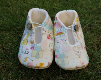 Shoes of baby cats - size 3-6 months