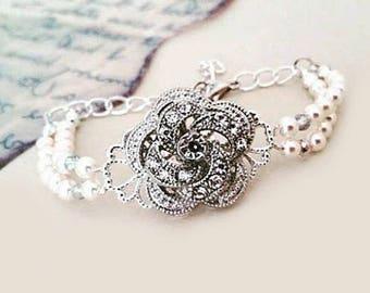 Bridal Pearl Bracelet Pearl Wedding Bracelet Swarovski Bridal Jewelry Cream Pearl and Crystal Rose Bridesmaids Gifts Janet Small Pearls