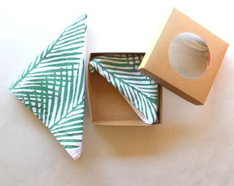 Green and White Palm Leaf Botanical Cloth Reusable Cloth Napkins - Metallic Napkins - Reusable Napkins