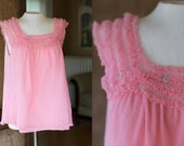 Vintage 70s Pink Ruffle Babydoll Top // Boudoir Nightgown Floral Tank Top - Size Small/Medium