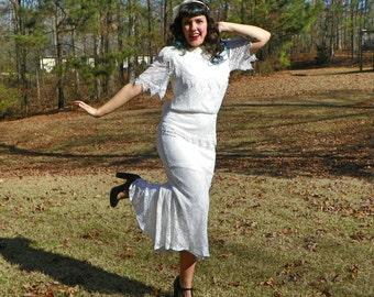 1930s Style Wedding Dress Jessica McClintock Bridal Lace Drop Waist Dress Trumpet Skirt Low Cut Back with Bow Flapper Wedding Size Medium