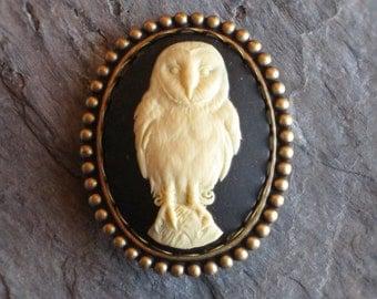 Owl brooch, barn owl brooch, bird brooch, animal cameo brooch, antique brass, holiday gift ideas, gift ideas for mom, unique Christmas gift