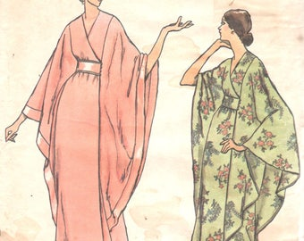 Vogue 8551 1970s Misses Cape Sleeve Robe Pattern Hollywood Glam Womens Vintage Sewing Pattern Size 10 Bust 32