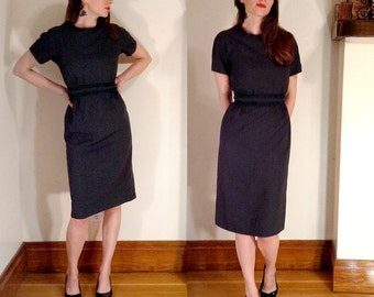 1950's Grey Green Wiggle Dress // Suit Dress // Grey Pinup Dress // Size Small