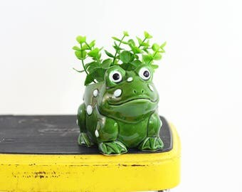 Vintage Ceramic Frog Planter / Vintage Frog Plant Pot / Green Toad Planter / Succulent Planter / Retro Animal Planter