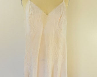 last chance Vintage JC PENNEY nightie night gown slip USA made off white size 40 / 18