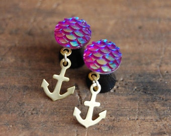 2g (6mm) Siren Hot Pink Mermaid Tail Scale Plugs with gold anchor charm plugs for stretched earlobes. Gauges 2g  6mm acrylic plugs