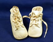 Vintage Baby/Infant/Doll Ideal White Kid Leather Shoes Size 0, Crib Shoes,Tiny Sweet Feet