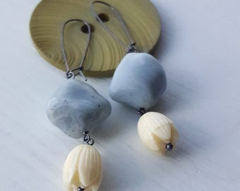 river witch - earrings - vintage lucite and sterling
