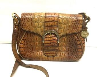 Vintage BRAHMIN Toasted Almond Handbag / Croc Embossed Leather Purse / 1990's Caramel Crossbody Bag / Slip Pocket And Pen Holder