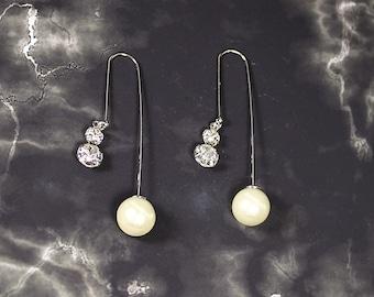 Luna Bridal Earrings, Bridal Pearl Earrings, Pearl Ball Earrings, Unique Pearl Hook Earrings, Modern Earrings, Bridal Jewelry, Orb Jewelry