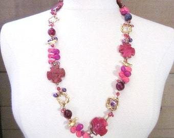 Long & Chunky Necklace -- Multi Pink Bead Necklace -- Bold Pink Jewelry -- Hot Pink Accessories for Women -- Bright Pink Statement Jewelry