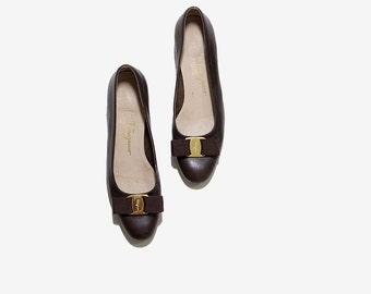 Vintage Ferragamo Heels 6.5 / Ferragamo Vera Heels / Brown Leather Pumps / Bow Heels / Designer Heels / Salvatore Ferragamo Shoes