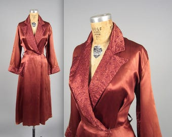 1940s glamorous dressing gown • vintage 40s robe • quilted house coat (HR)