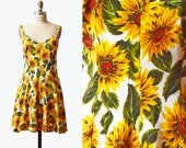 Vintage 90s Floral Dress Grunge Boho Mini Sunflower Print / 1990s Ditsy Fitted Scoop Neck Sleeveless White Yellow Green S M