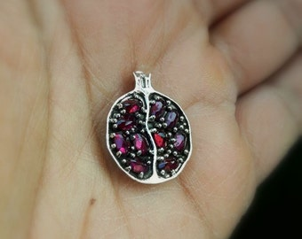 925 Silver Pomegranate Pendant Necklace set with Egg Garnet Stones