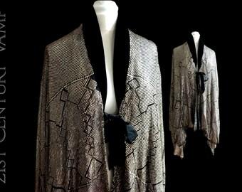 RARE 1920s Flapper Assuit Cocoon Cape. Lame lined. Black Velvet collar. Silk border & ties. Museum Quality. Jazz Age. Art Deco.