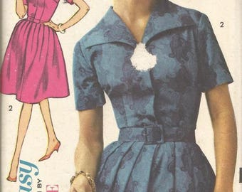 1960s Full Skirt Dress Princess Seams Short Sleeves Easy to Sew Advance 3063 Uncut FF Size 14 Bust 34 Women's Vintage Sewing Pattern
