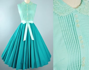 Vintage 50s Dress / 1950s Cotton Belted Sundress Two TONE Pine Mint GREEN Full Swing Skirt Picnic Garden Party Summer Spring Pinup XS Small