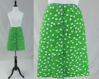 "70s Green Floral Skirt - White Blue Flowers - Built In Shorts - Meadowbank - Vintage 1970s Golf Skort - 30"" waist"
